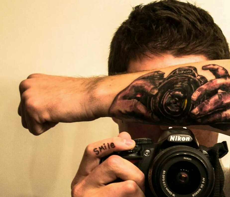Brandon Hennessey- selfie - camera - tatoo - 3187-7724